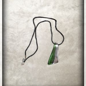 💚Cute Green & Silver Glass Necklace💚
